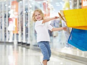 People_Children_Cheerful_shopping_032821_.jpg